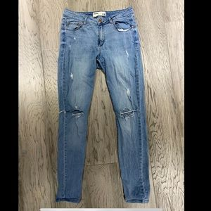 Garage size 11 ripped jeans high rise